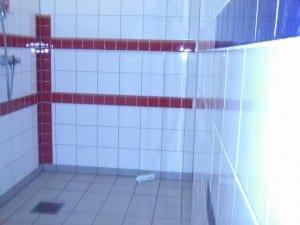 Flislagt dusj i garderobe 2