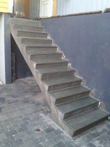 trapp støpt i betong