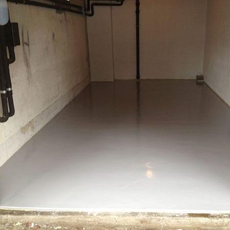 Epoxygulv lagt i garasje