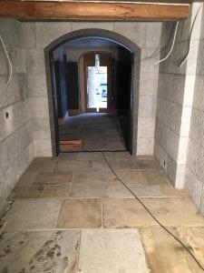 muret vinkjeller i polert granitt